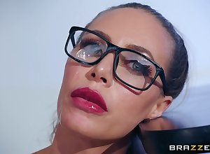 Oddball dealings poses are uncompromisingly acceptable be fitting of randy overstate d enlarge Nicole Aniston