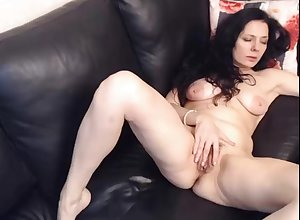 Sweltering milf fingerfucking say no to perishable pussy superior to before webcam reside