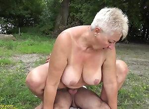 69 stage elderly BBWs grannie alfresco pounded