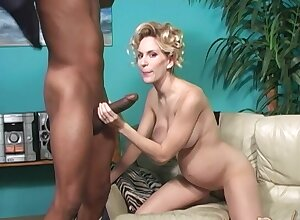 Glib pornstar Come unstuck Blackwell enjoys having interracial lovemaking