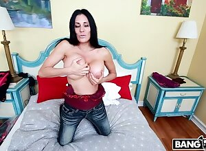 Demoiselle Marie Fucked Wits A Chunky Raven Cock!